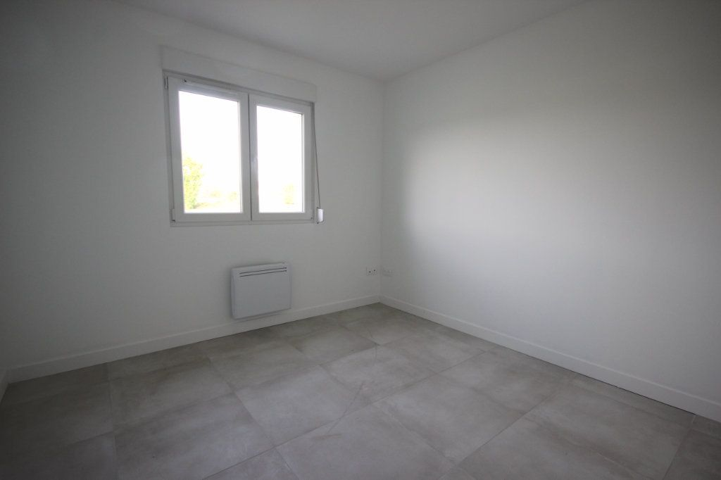 Maison à louer 4 92m2 à Bérenx vignette-5