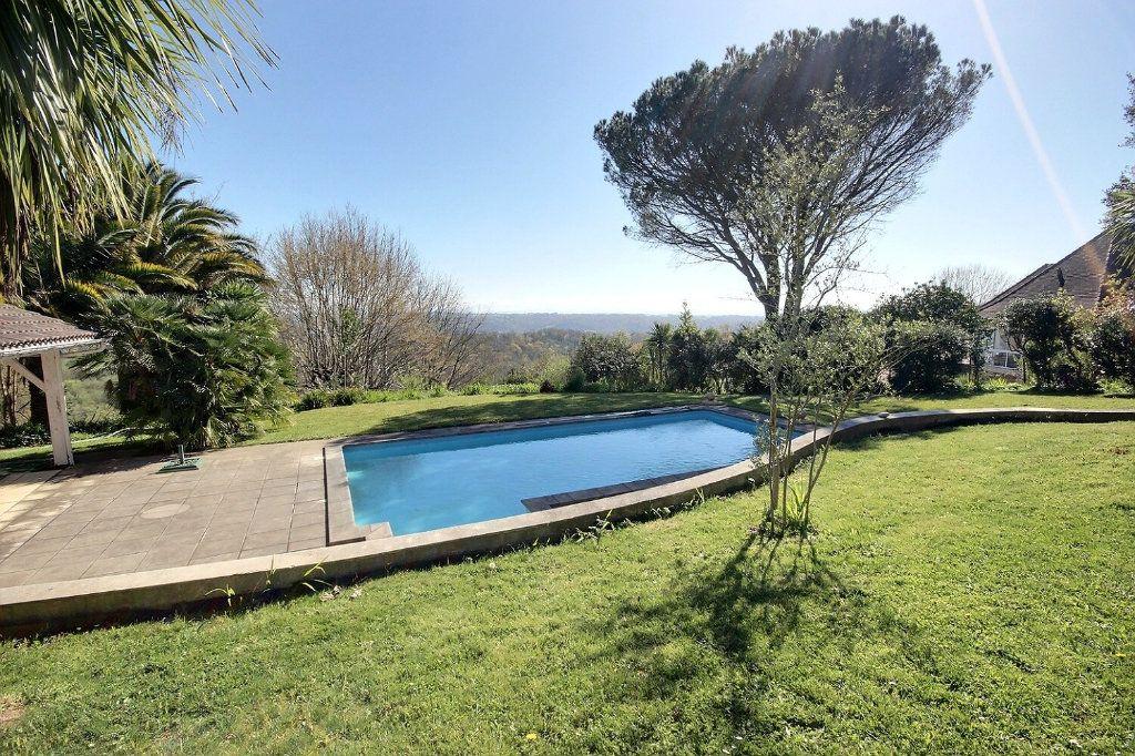 Maison à vendre 5 220m2 à Salies-de-Béarn vignette-6