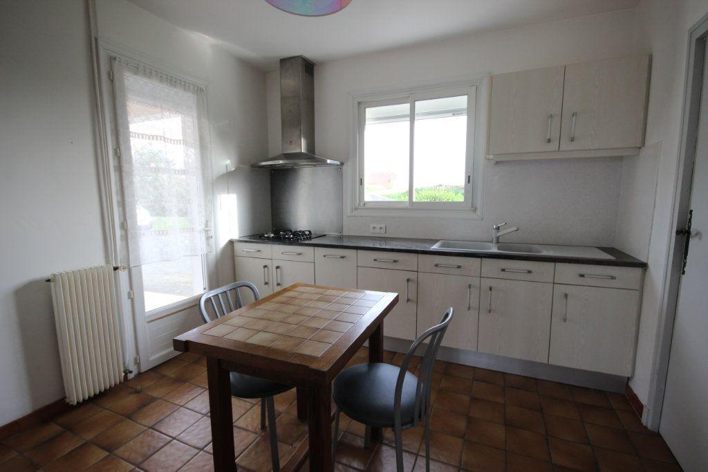 Maison à louer 5 150m2 à Arthez-de-Béarn vignette-4