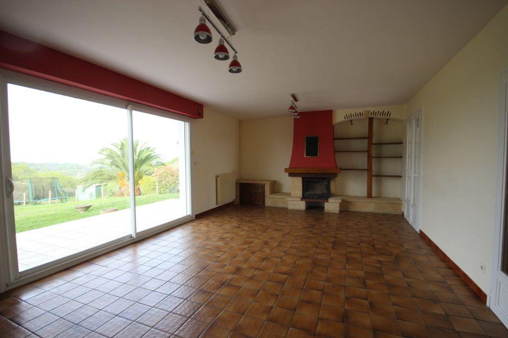 Maison à louer 5 150m2 à Arthez-de-Béarn vignette-5
