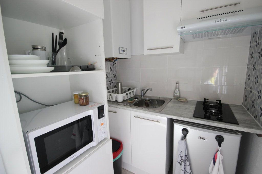 Appartement à louer 1 24m2 à Orthez vignette-1