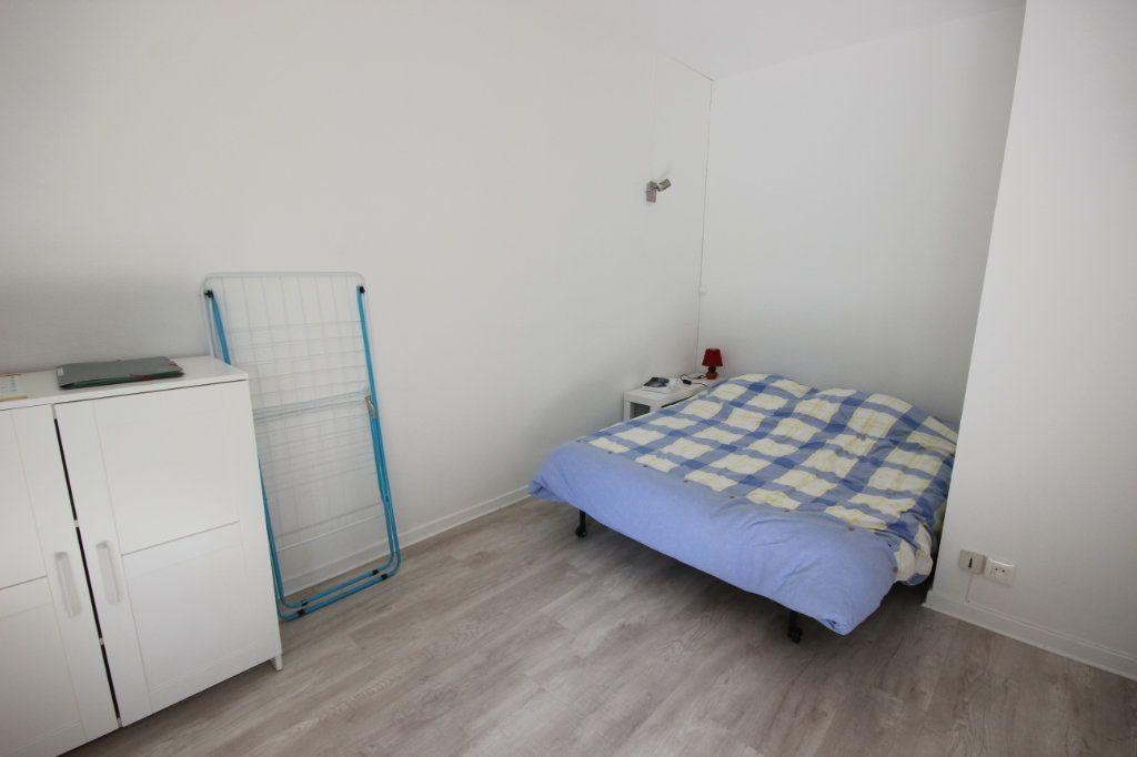 Appartement à louer 1 24m2 à Orthez vignette-2