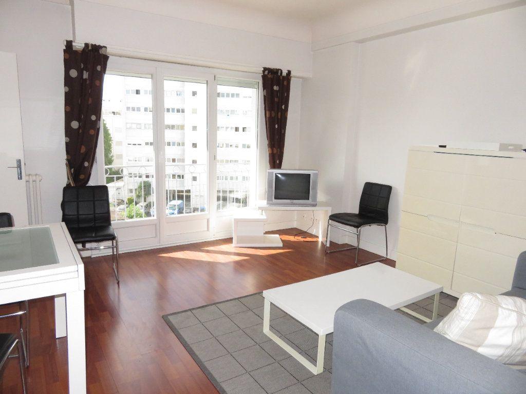 Appartement à louer 3 64m2 à Pau vignette-1