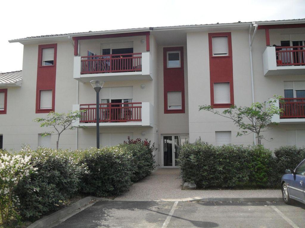 Appartement à louer 2 47m2 à Mourenx vignette-3