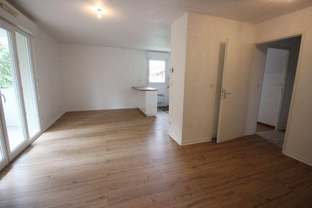 Appartement à louer 2 47m2 à Mourenx vignette-4