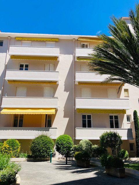 Appartement à vendre 3 67m2 à Cannes vignette-1