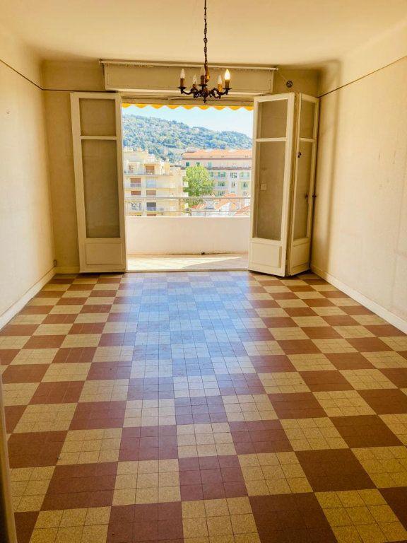 Appartement à vendre 3 67m2 à Cannes vignette-2