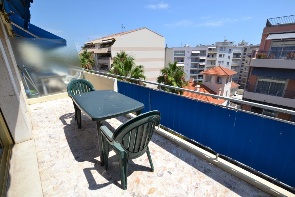 Appartement à vendre 1 38.53m2 à Juan-les-Pins - Antibes vignette-2