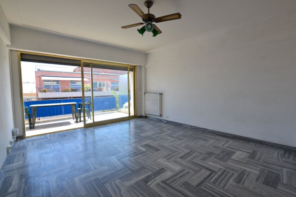 Appartement à vendre 1 38.53m2 à Juan-les-Pins - Antibes vignette-3