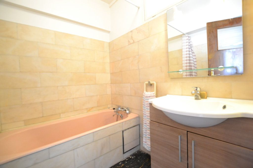 Appartement à vendre 1 38.53m2 à Juan-les-Pins - Antibes vignette-6