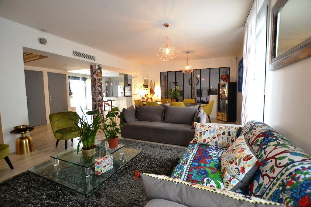 Appartement à vendre 3 134.27m2 à Antibes vignette-1