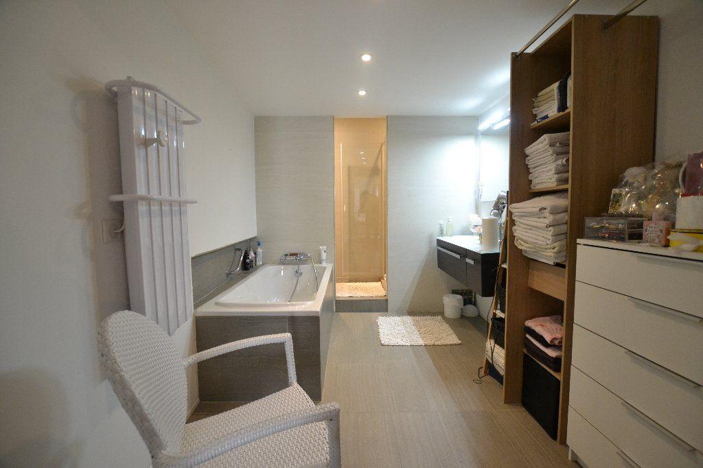 Appartement à vendre 3 134.27m2 à Antibes vignette-7