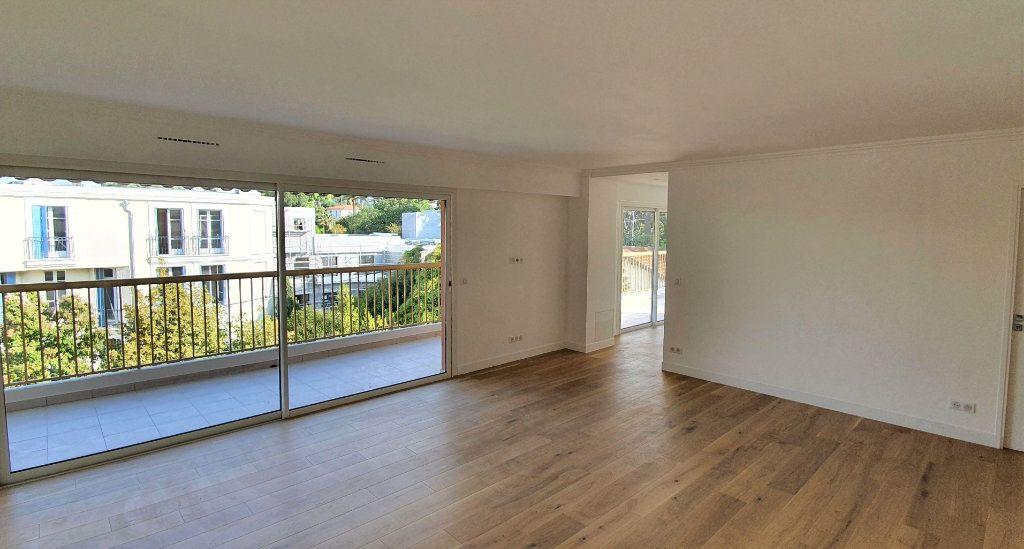 Appartement à vendre 3 81m2 à Cannes vignette-2