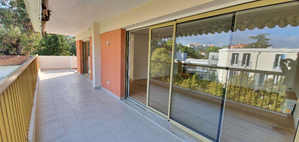 Appartement à vendre 3 81m2 à Cannes vignette-3