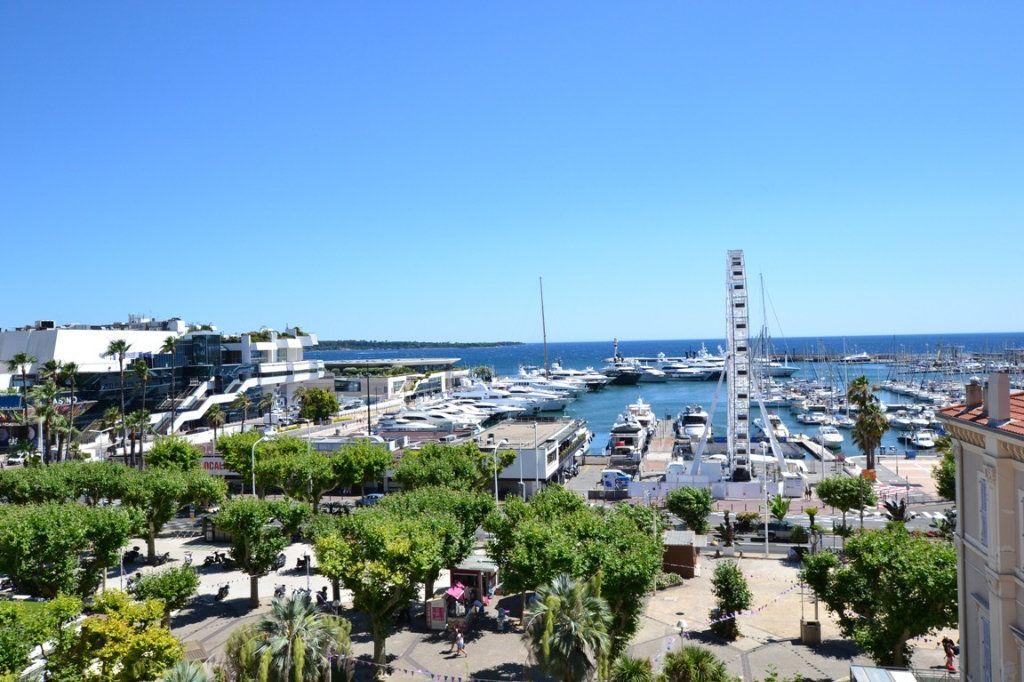 Appartement à vendre 3 70m2 à Cannes vignette-1