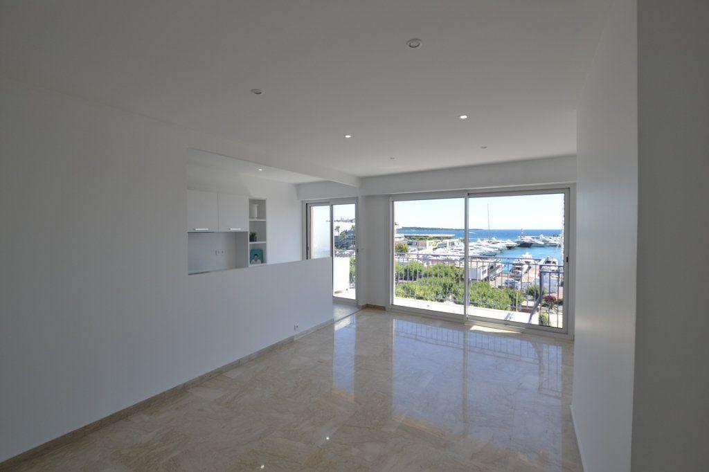 Appartement à vendre 3 70m2 à Cannes vignette-3
