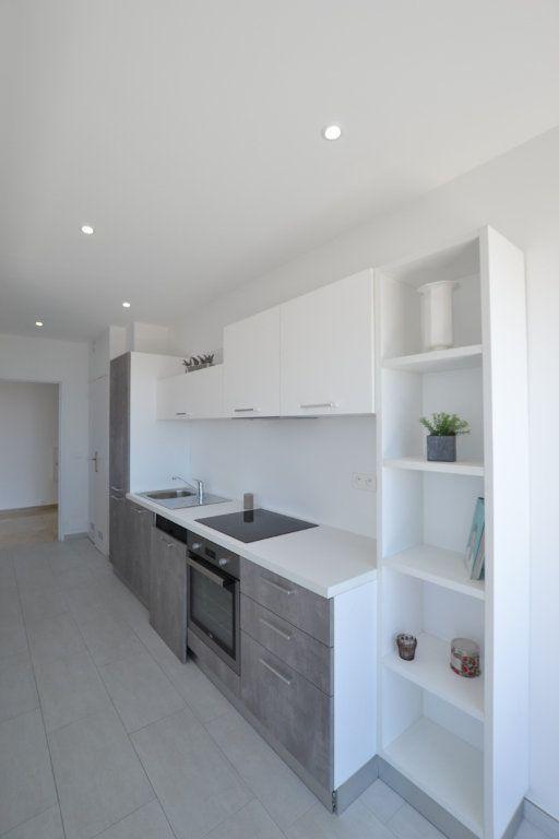 Appartement à vendre 3 70m2 à Cannes vignette-5