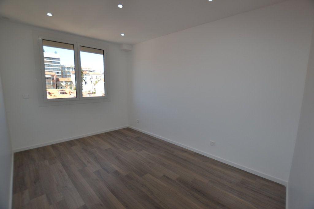 Appartement à vendre 3 70m2 à Cannes vignette-6