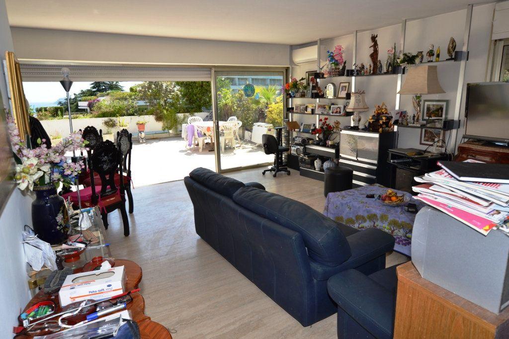 Appartement à vendre 3 79m2 à Cannes vignette-4