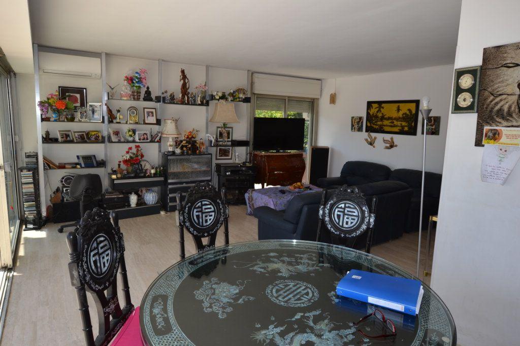 Appartement à vendre 3 79m2 à Cannes vignette-9
