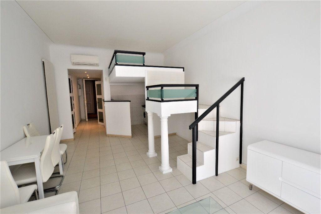 Appartement à vendre 1 32m2 à Cannes vignette-3