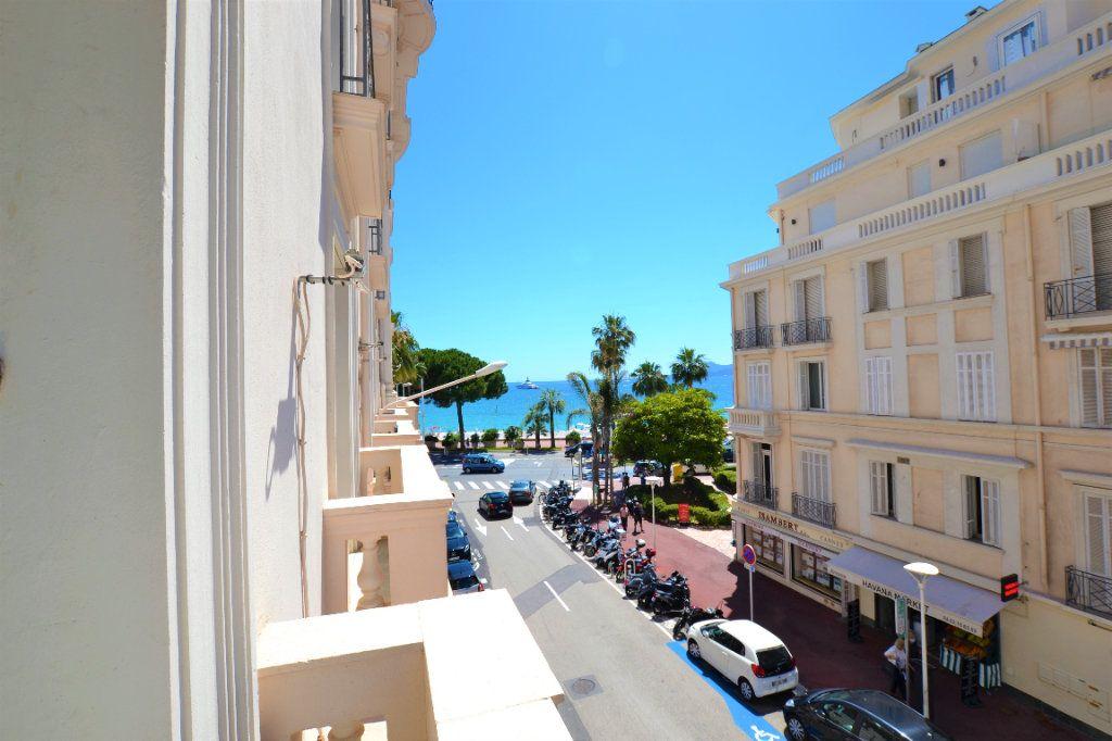 Appartement à vendre 1 32m2 à Cannes vignette-5