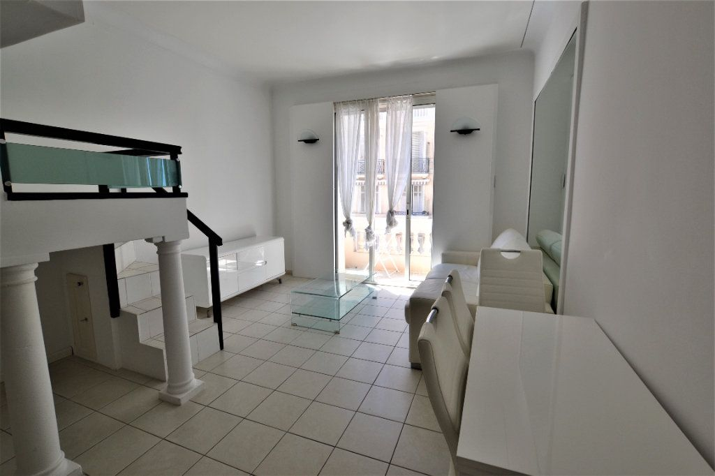 Appartement à vendre 1 32m2 à Cannes vignette-8