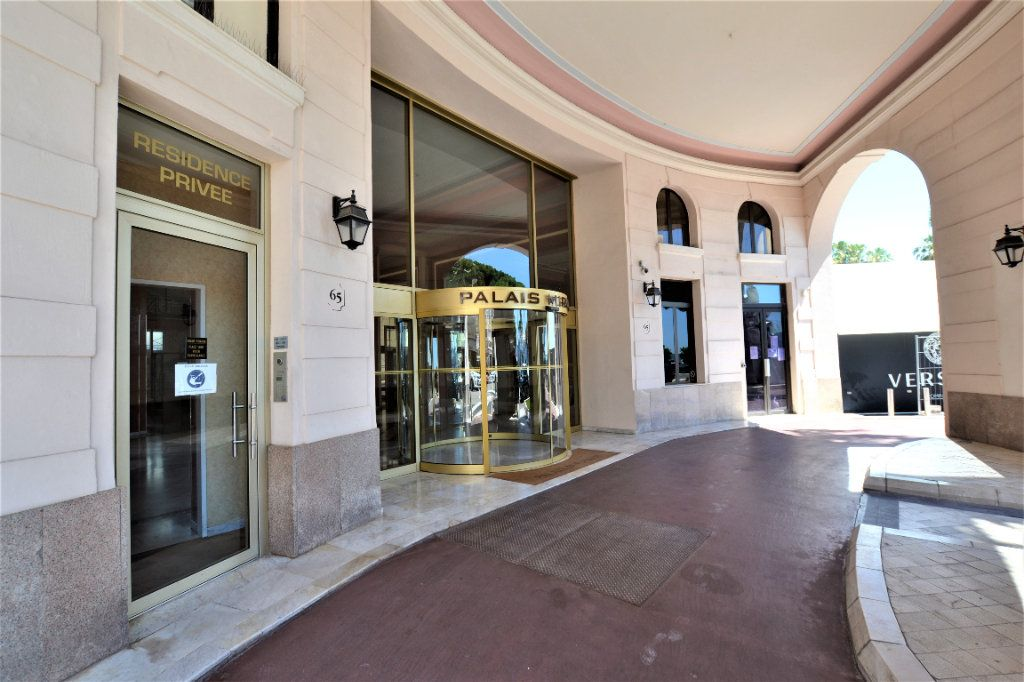 Appartement à vendre 1 32m2 à Cannes vignette-11