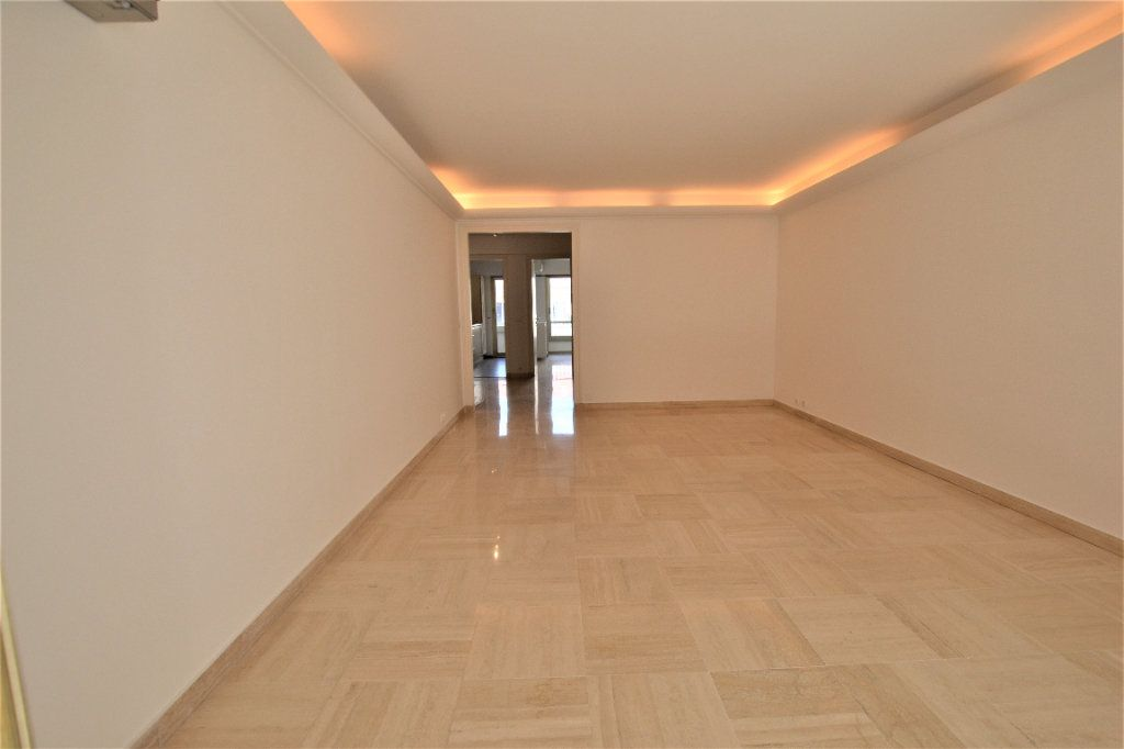 Appartement à vendre 3 80m2 à Cannes vignette-6
