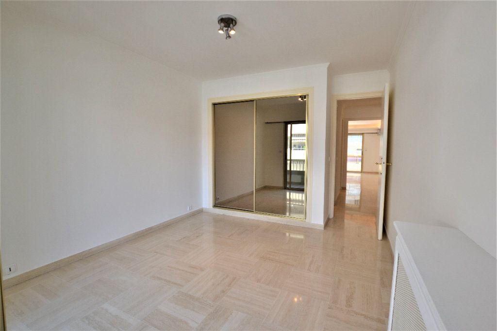 Appartement à vendre 3 80m2 à Cannes vignette-8