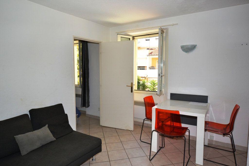 Appartement à vendre 2 30m2 à Cannes vignette-1