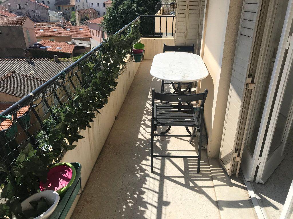 Appartement à vendre 3 58m2 à Cannes vignette-1