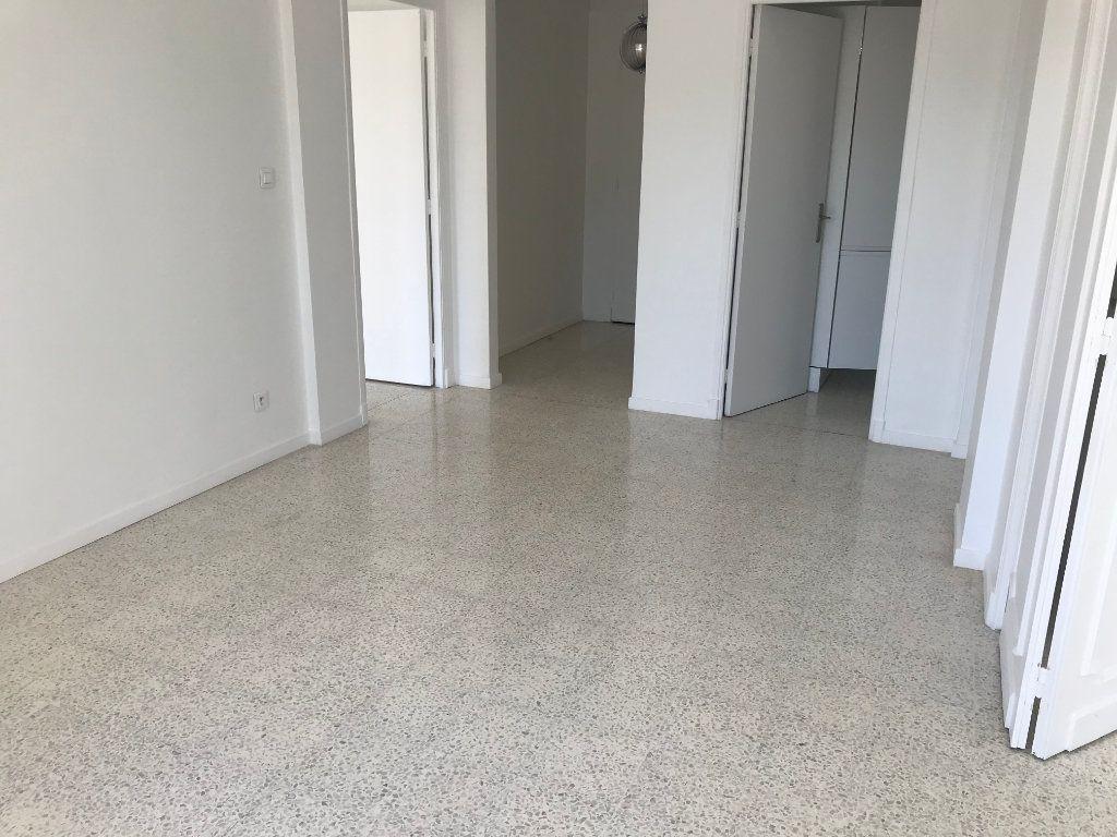 Appartement à vendre 3 58m2 à Cannes vignette-2