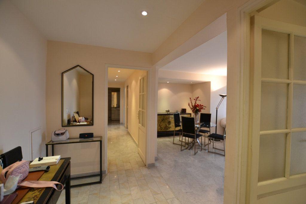 Appartement à vendre 3 80m2 à Cannes vignette-4