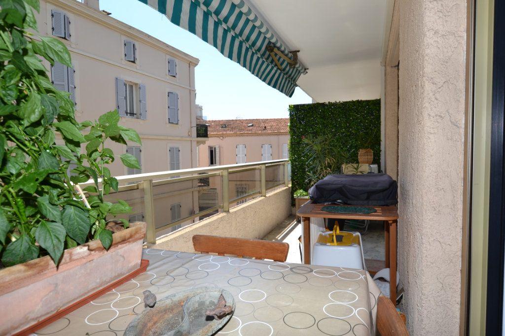 Appartement à vendre 3 60.07m2 à Cannes vignette-6