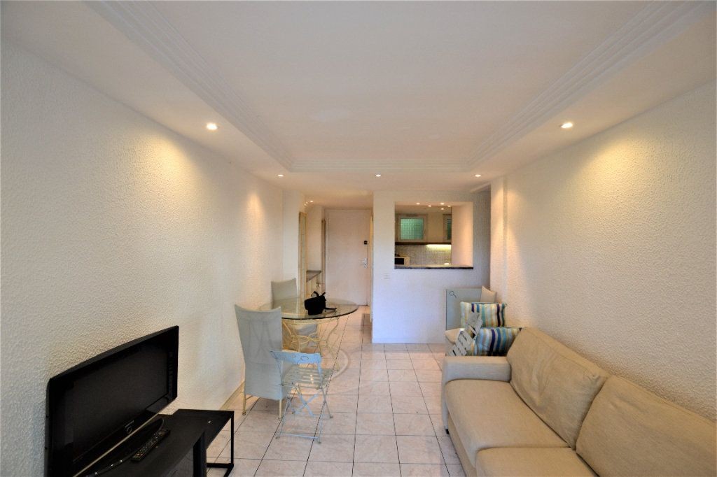 Appartement à vendre 2 47m2 à Cannes vignette-3