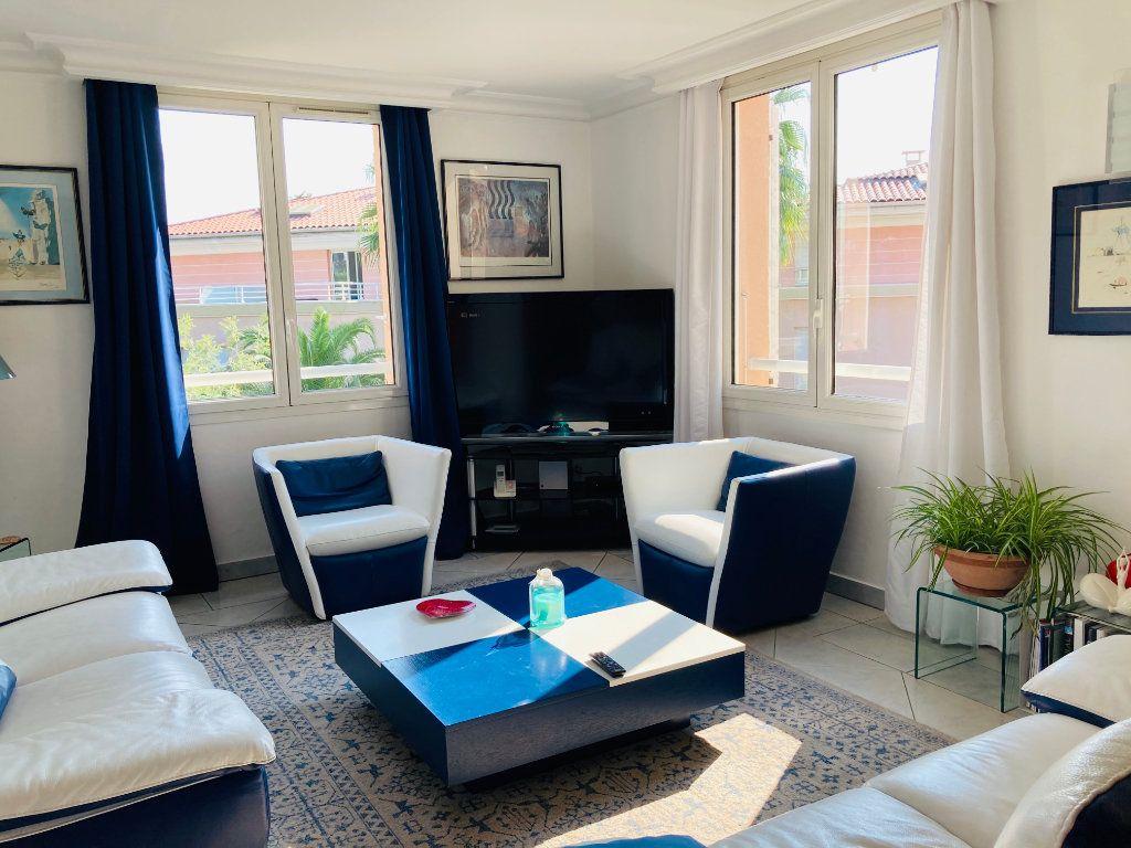 Appartement à vendre 4 109.88m2 à Cannes vignette-5