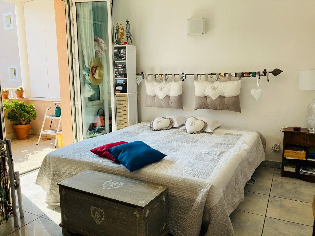 Appartement à vendre 4 109.88m2 à Cannes vignette-6
