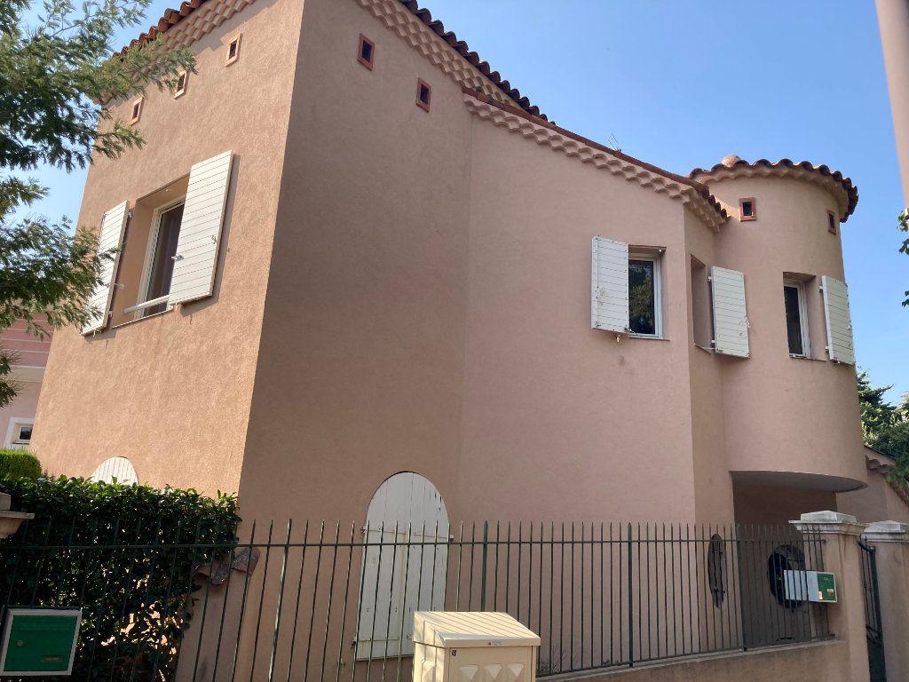 Appartement à vendre 4 109.88m2 à Cannes vignette-8