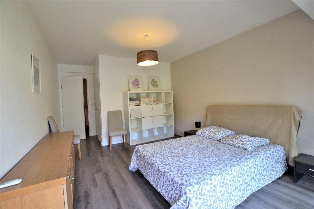 Appartement à vendre 3 70.2m2 à Cannes vignette-5