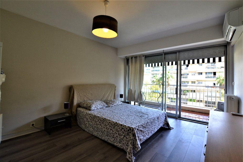 Appartement à vendre 3 70.2m2 à Cannes vignette-7