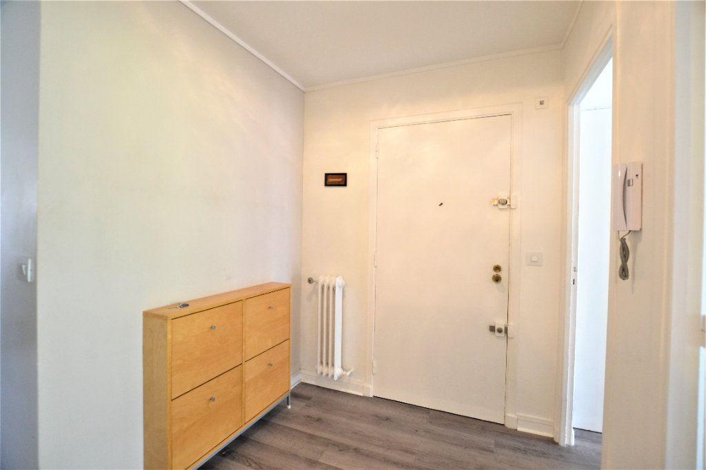 Appartement à vendre 3 70.2m2 à Cannes vignette-11