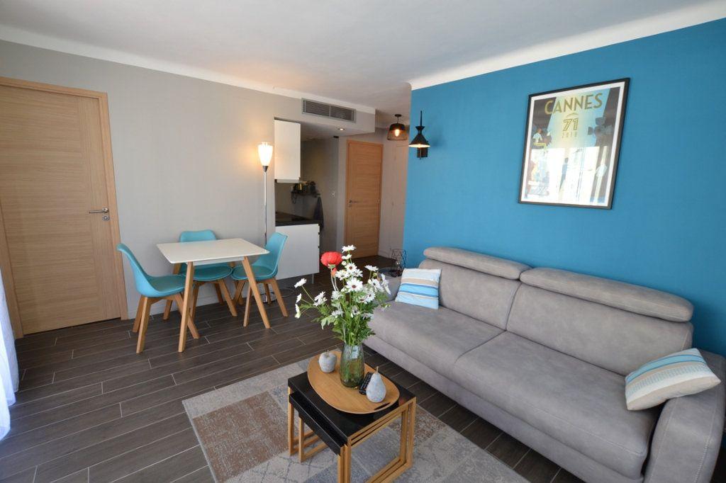 Appartement à vendre 2 34.7m2 à Cannes vignette-1