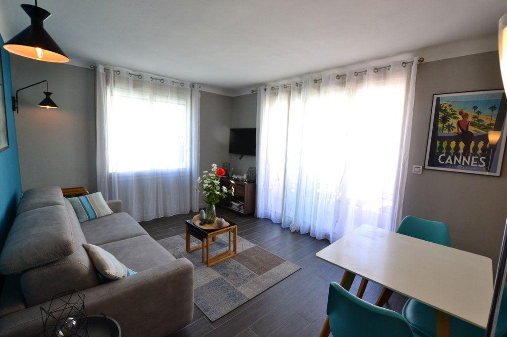 Appartement à vendre 2 34.7m2 à Cannes vignette-3