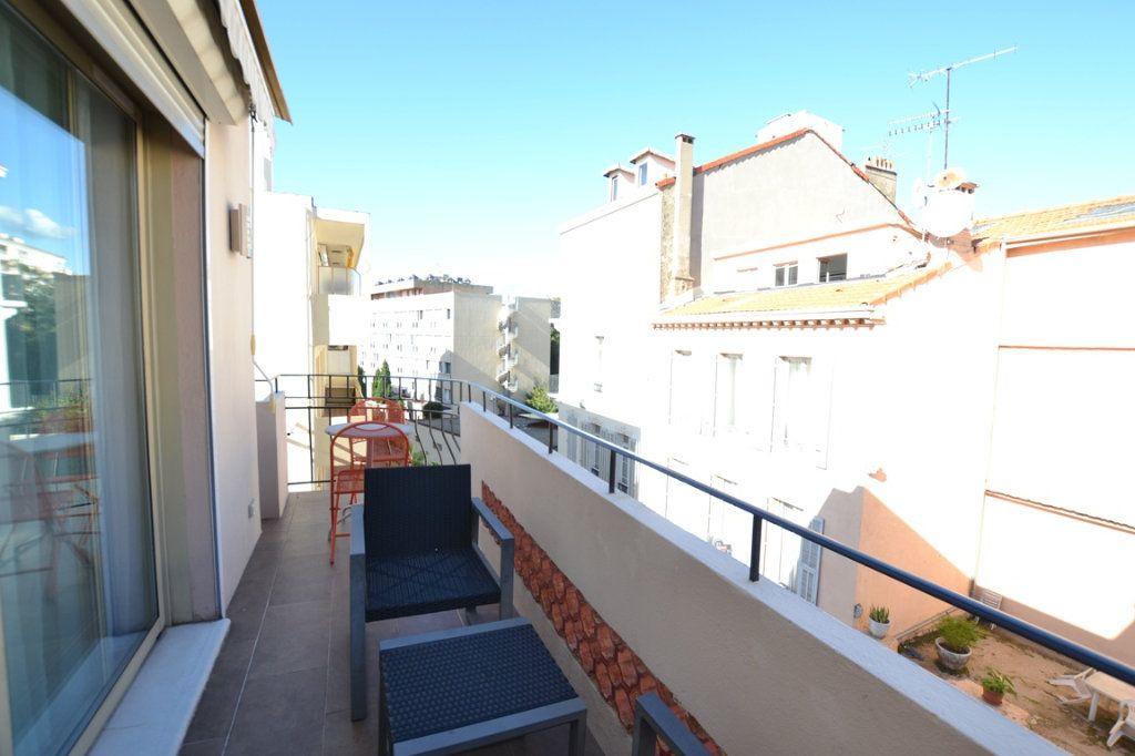 Appartement à vendre 2 34.7m2 à Cannes vignette-8