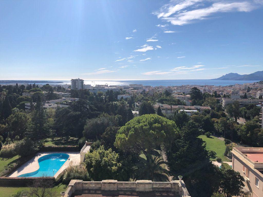Appartement à vendre 3 106.92m2 à Cannes vignette-2