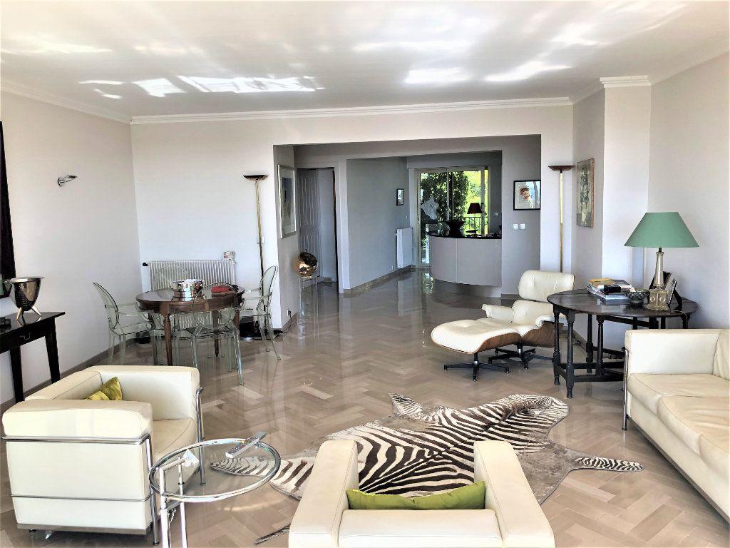 Appartement à vendre 3 106.92m2 à Cannes vignette-4