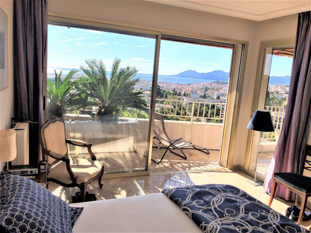 Appartement à vendre 3 106.92m2 à Cannes vignette-11