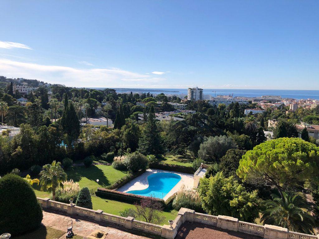 Appartement à vendre 3 106.92m2 à Cannes vignette-14