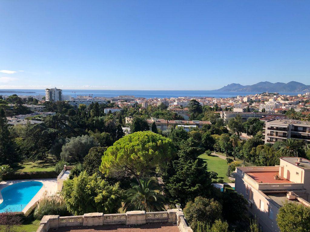 Appartement à vendre 3 106.92m2 à Cannes vignette-15